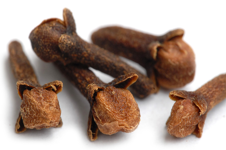 There scientific evidence to support the health benefits of organic clove essential oil.